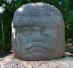 Olmeca head in Villahermosa.jpg