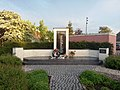Oorlogsmonument in Wamel (hele monument).jpg