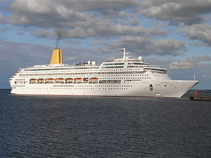 Oriana departing Tallinn 10 September 2012.JPG