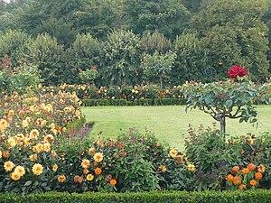 Français : Jardin à la française de la terrass...