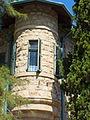 P1190573 - בית איתין - פינת הבית המעוגלת.JPG