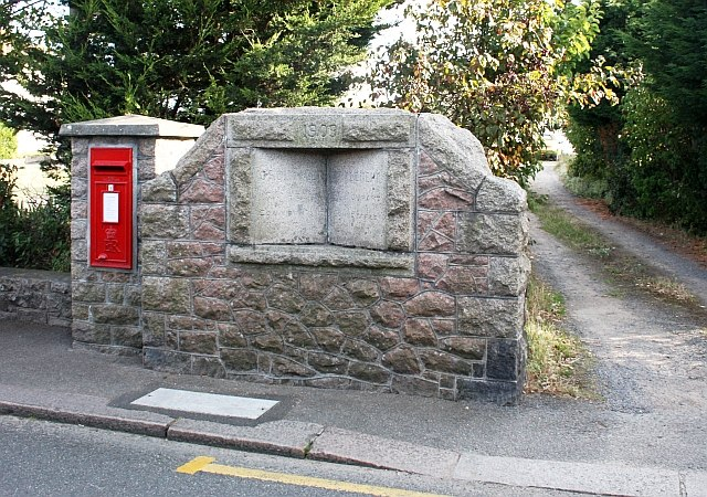 Parish boundary stone - geograph.ci - 381