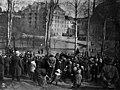 Pelastusarmeijan kokous Kaisaniemessä - N2075 (hkm.HKMS000005-000001ik).jpg