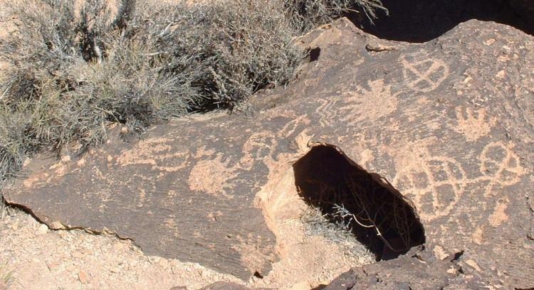 Petroglyphs on a Bishop Tuff tableland-750px