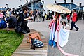 Photographer Kneeling on Bench Try to Spotting Cosplayer 20150509.jpg