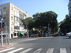 PikiWiki Israel 9180 Haim Nahman Promenade in Tel Aviv.JPG