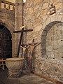 Pila bautismal de la iglesia parroquial de Villafranca de la Sierra.JPG
