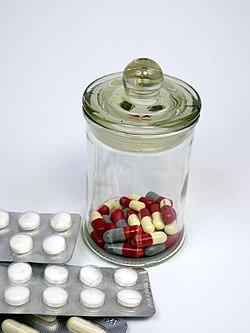 Pills and medicines 01.jpg