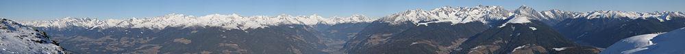 Le massif des Dolomites vu du Plan de Corones dans la province de Bolzano, région du Trentin-Haut-Adige