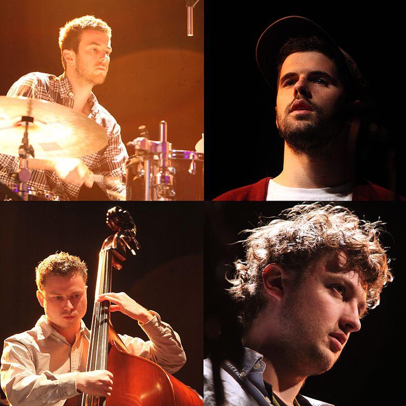 https://upload.wikimedia.org/wikipedia/commons/thumb/d/d5/Portico_Quartet-Rama.jpg/800px-Portico_Quartet-Rama.jpg