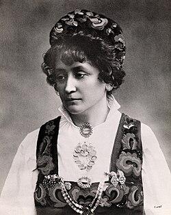 Portrett av Hulda Garborg (1862-1934) (5180708385).jpg