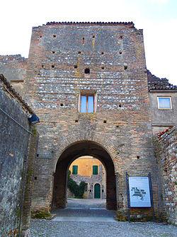 Pozzolengo-Castello.JPG