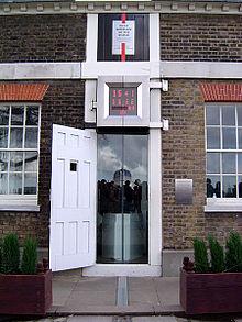Observatoire royal de Greenwich 220px-Prime_meridian