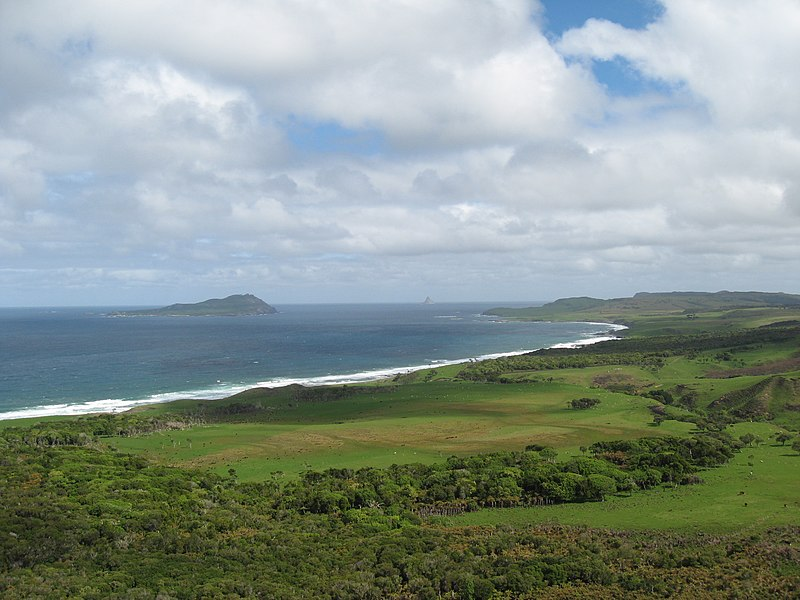 File:Pyramid & Rangatira Islands Chatham Islands New Zealand Aotearoa.jpg
