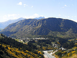 Queenstown-Hill-and-Arthurs-Point.jpg
