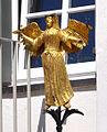 Ravensburg Marienplatz71 Gasthof Engel Skulptur.jpg