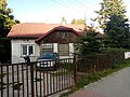Relikt po wsi Służew, Nowoursynowska 178, Warszawa 1a.jpg