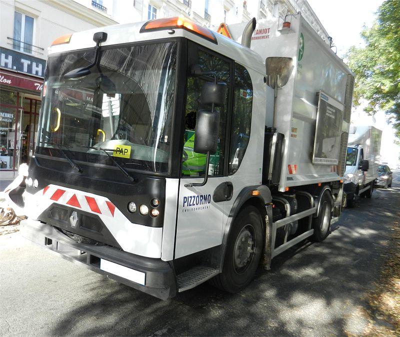 800px-Renault_Trucks_Access_2011.JPG