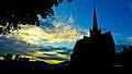 Ringebu stavkirke i solnedgang.jpg