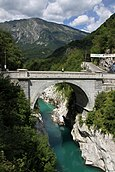 Road bridge over Soča river.jpg