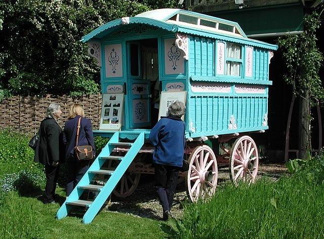 Roald Dahl's gipsy caravan - geograph.org.uk - 112566