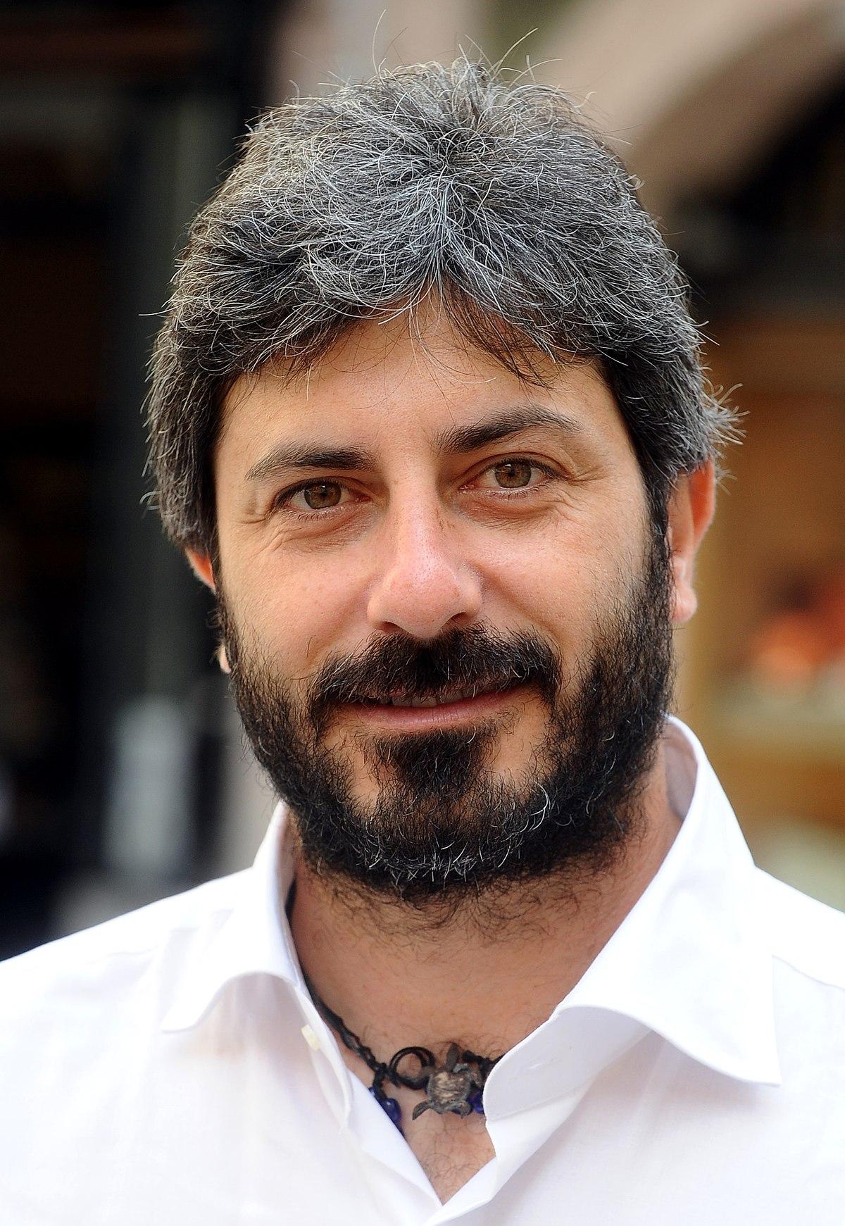 Roberto fico wikipedia for Camera 5 stelle