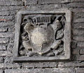 S.miniato, piazza della repubblica, cavalcavia, stemma illeggibile.JPG