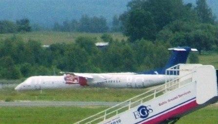 SAS Dash-8-400 after crash-landing in Vilnius airport