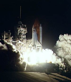 STS-38 - Atlantis launches on STS-38