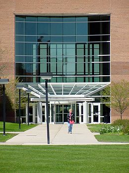 Saginaw Valley State University student on campus (4330372555).jpg
