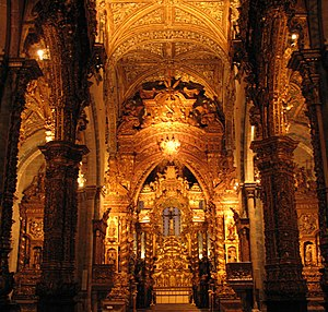 Church of São Francisco (Porto) - Inner view of the Church of São Francisco, towards the main chapel.