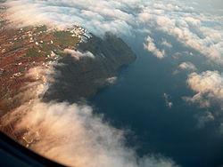 Santorin vue d'avion.jpg