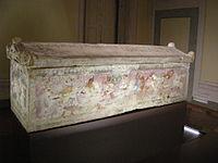 Sarcofago delle amazzoni 01.JPG