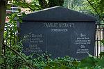 Satow Friedhof Grabstein Familie Wiskott.jpg