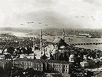 Savoia Marchetti S.55 repülők Isztambul felett.jpg