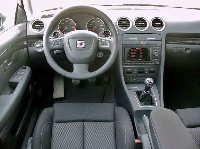 file seat exeo st 2 0 tdi sport magicoschwarz interieur jpg wikimedia commons. Black Bedroom Furniture Sets. Home Design Ideas