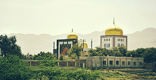 Shrine of Lucky Shah Sadar.jpg