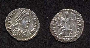 "Jovinus - Siliqua of Jovinus celebrating the ""victories of the emperor"""