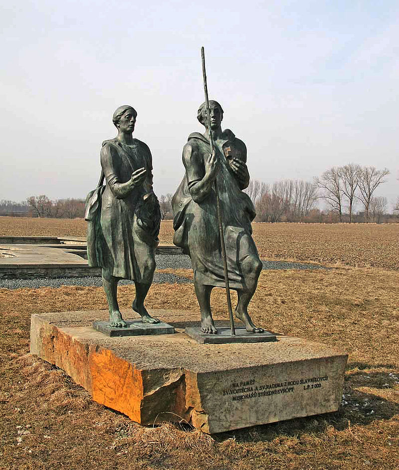 Monument av den hellige Adalbert og hans bror Gaudentius i Libice nad Cidlinou