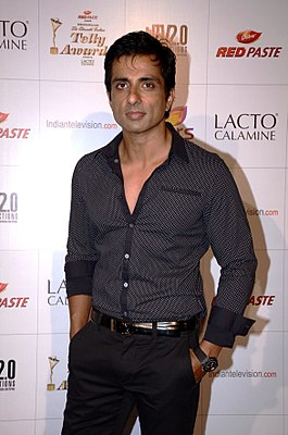 Sonu sood colors indian telly awards.jpg