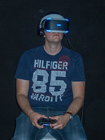The Project Morpheus (PlayStation VR) headset worn at gamescom 2015 Sony Morpheus Virtual Reality Gamescom 2015 Cologne (19705605174).jpg