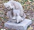 Sousoší Medvědí rodina v parku Folimanka v Praze (Q64815815) 04.jpg