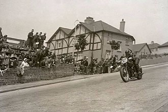 Stanley Woods - Woods descends Bray Hill on a Moto Guzzi during the 1935 TT