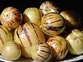 Starr-140402-0159-Solanum muricatum-fruit-Hawea Pl Olinda-Maui (25241597305).jpg
