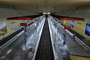 Maisons-Alfort – Les Juilliottes (Paris Métro) - Image: Station métro Maisons Alfort Les Juillottes 20130627 173422