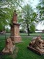 Statue of Queen Victoria in Victoria Park, Newbury.jpg