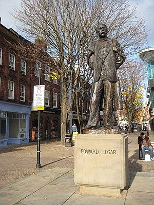 English: Statue of Sir Edward Elgar This statu...