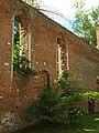 Steblewo, rozvaliny kostela, okna.JPG