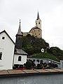 Stein iJ. Friedhof Burgberg Kirche.jpg