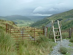 Stile and two gates on track above Cwm Penmachno (geograph 1981987).jpg